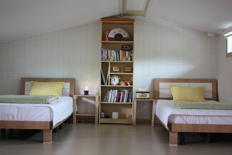 The house of traveler room