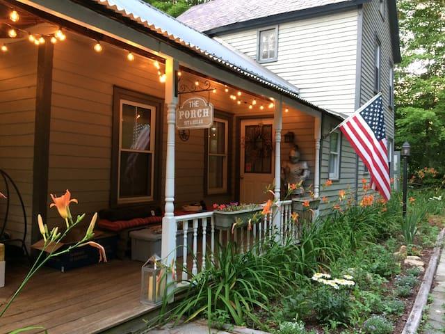 Cozy Creek Farmhouse