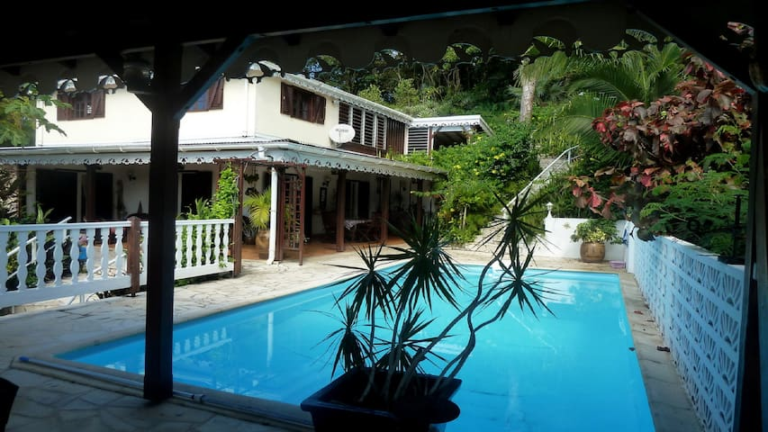 Studio de charme piscine wifi clim