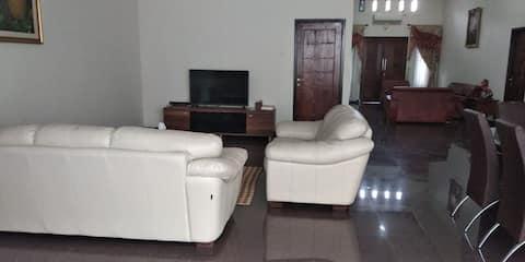 Aldeoz Palembang Private House, 3BR, dekat mall