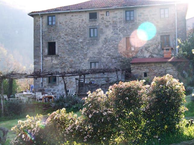 Casa padronale del 1700, nel cuore del Casentino. - Castel Focognano - Dům