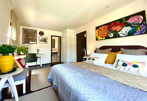 The Charming front beach one bedroom by Nack