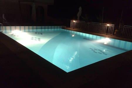Villa Cerasiello (affitta camere)2 - Bracigliano