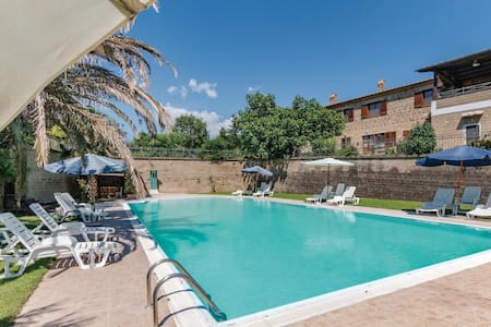 Holiday apartment with 1 bedroom on 38m² in Sovana GR