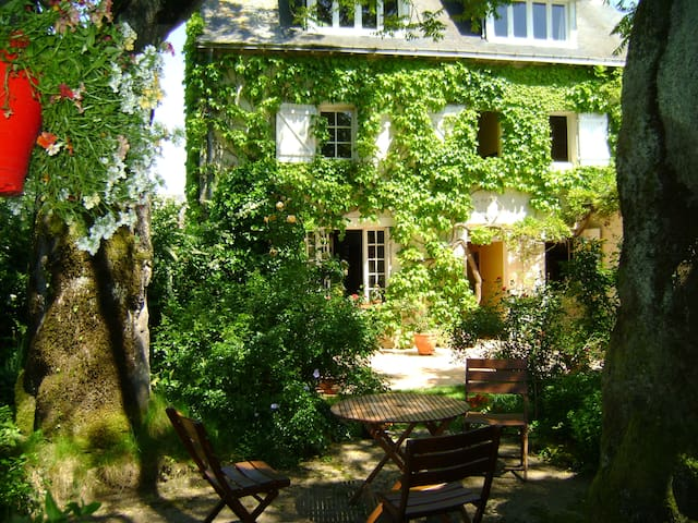 """Accommodation for """"LE MANS CLASSIC"""" July 8 to 10 - Spay"""