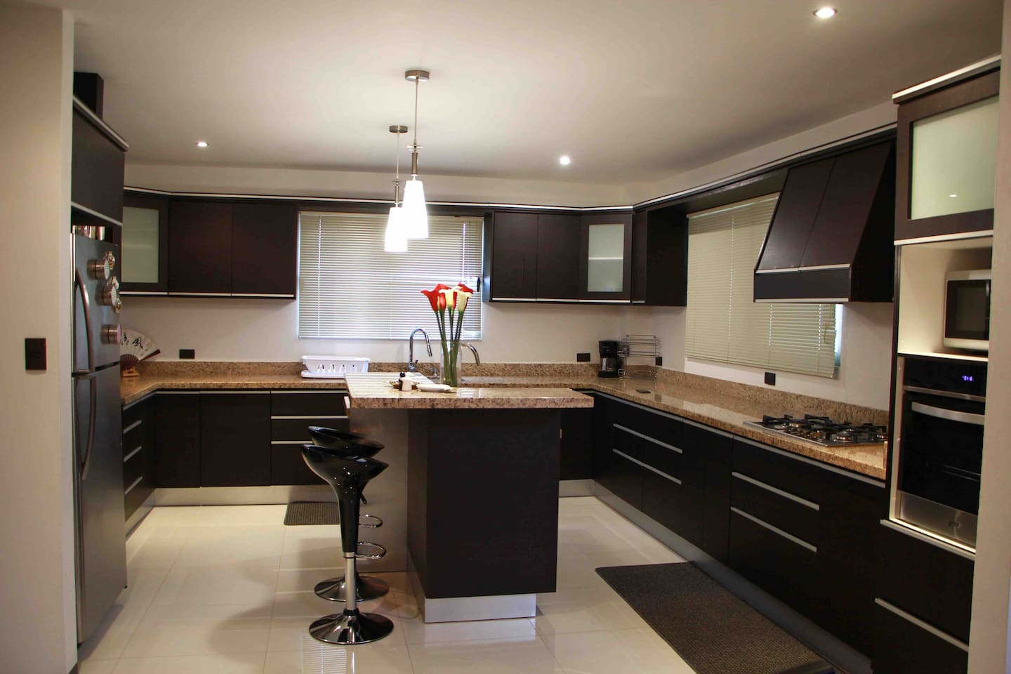 Full well equipped kitchen