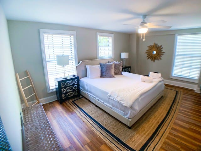★ The Inns at 60 Cannon - Charming 1 BR/ 1 BA ★