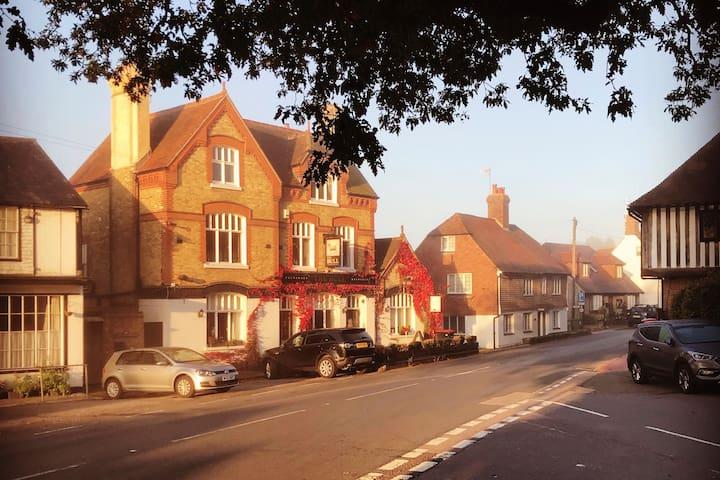 Boutique Victorian converted pub in Tudor village.
