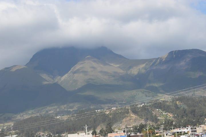 Otavalo vista a los volcanes