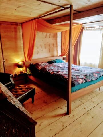 Romantisches Zimmer im Toggenburgerhaus