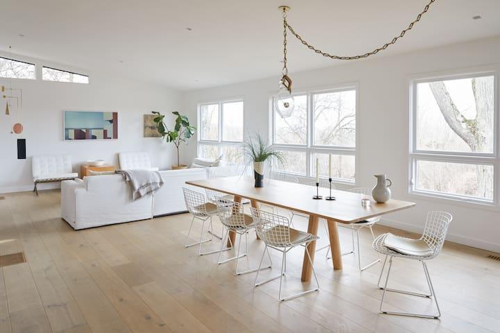 Hudson Modern - 4BR Design Property