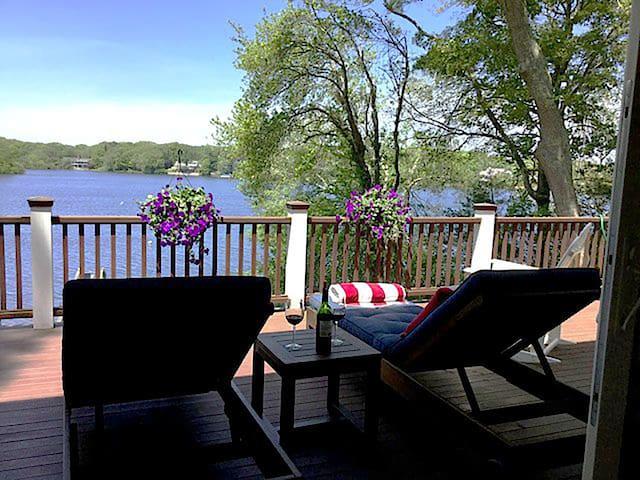 Waterfront with Dock on Lake Wequaquet - Barnstable - Casa