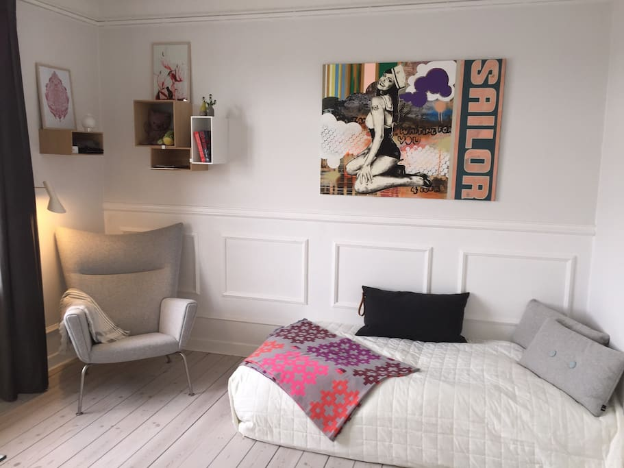clean room overlooking copenhagen lakes bed and breakfasts for rent in copenhagen dk denmark. Black Bedroom Furniture Sets. Home Design Ideas