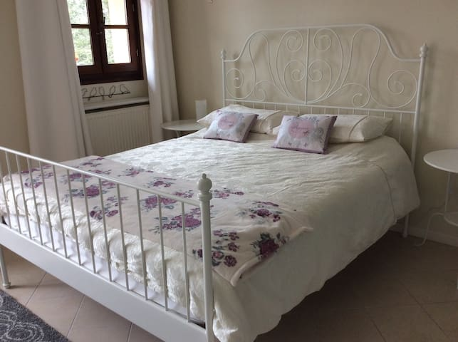 luxury King size en suite room - Massignac - Bed & Breakfast