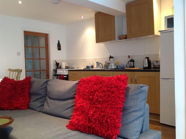 Lounge, Kitchen