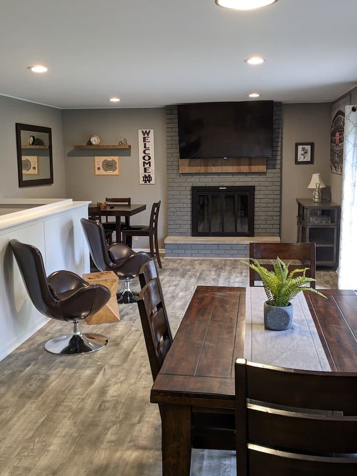 Newly Remodeled Ranch Less Than A Mile From Campus