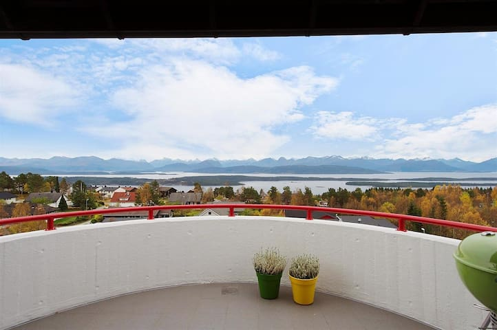 Apartment with spectacular view - Molde