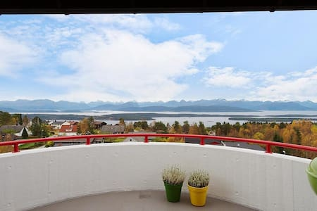 Apartment with spectacular view - Molde - Lejlighed