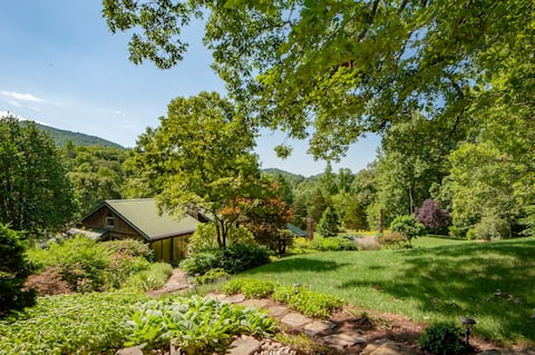 Buck Creek Lodge (2 bedrooms) Hidden in Blue Ridge