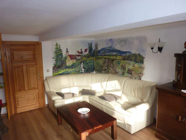Ferienwohnung in Leina+Fahrservice - Leinatal - Apartamento