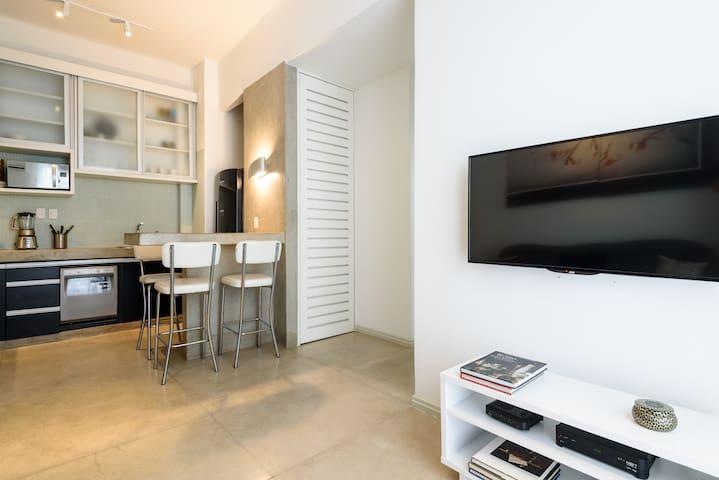 Elegant Apartment on ✪ Copacabana Beach Block ✪
