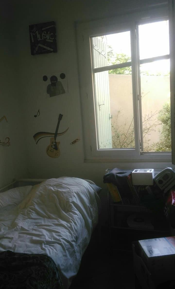 Chambre privée dans maison à Marseille