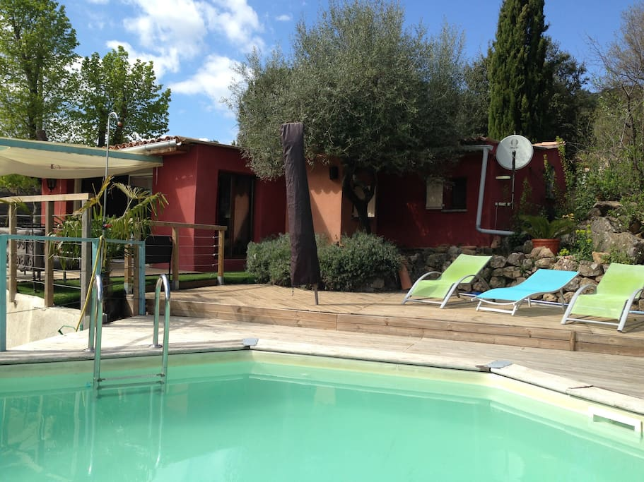 cabanon et sa piscine priv e var maisons louer le val paca france. Black Bedroom Furniture Sets. Home Design Ideas