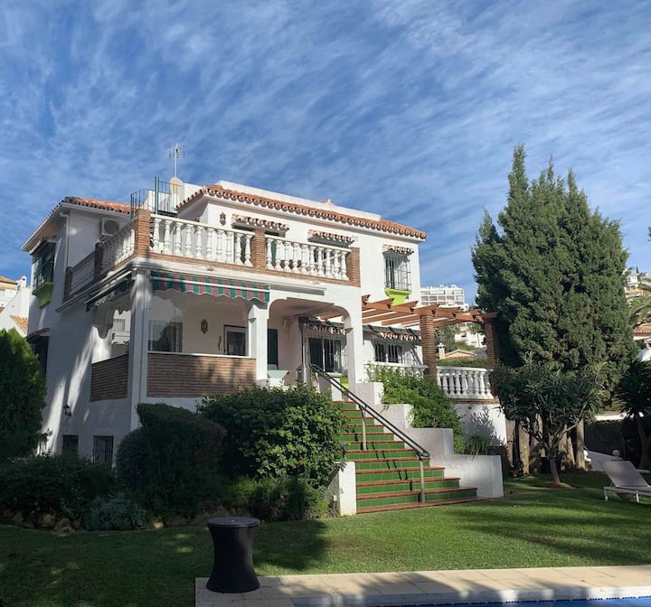 Spanish  luxery Villa ,  400 m from beach and sea