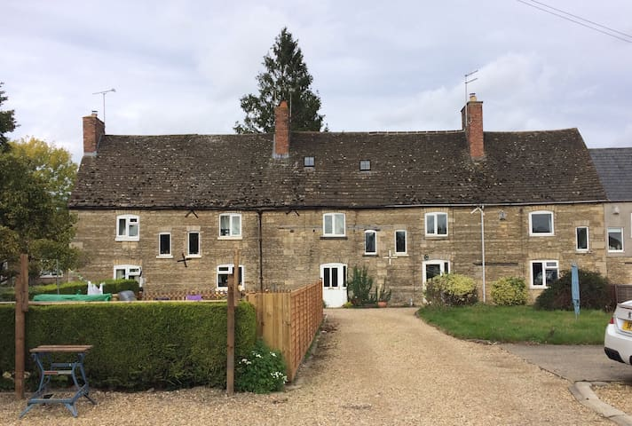 Beautiful barn cottage in a village near Stamford