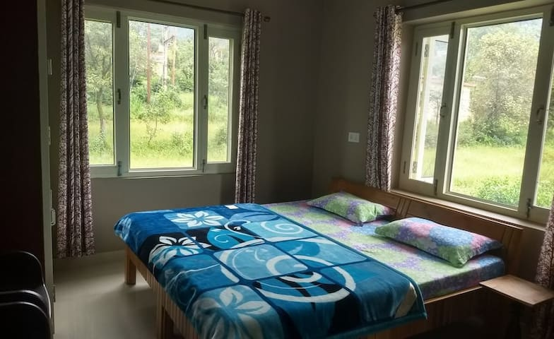 Beautiful deluxe room near to para point