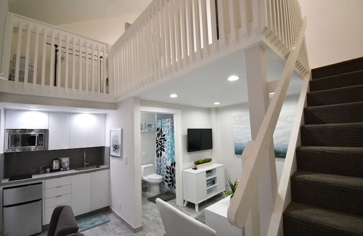 OCEANSIDE 5★ BOUTIQUE LOFT APT COZY BEACH UNIT # 7