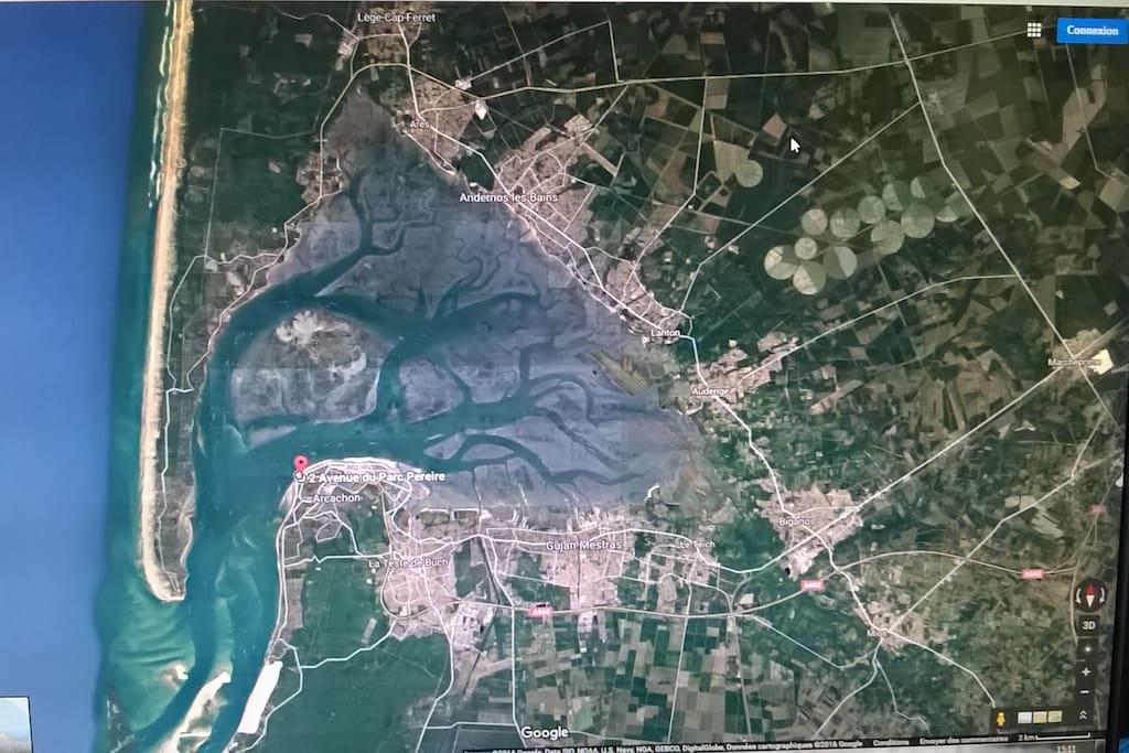 Le Bassin d'Arcachon. Marcheprime située à l'intersection parfaite Bordeaux / Arcachon-Pyla / Cap-Ferret