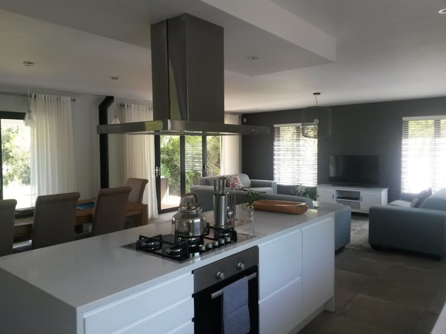 Fully kitted open plan kitchen - flat screen tv with full dstv channels