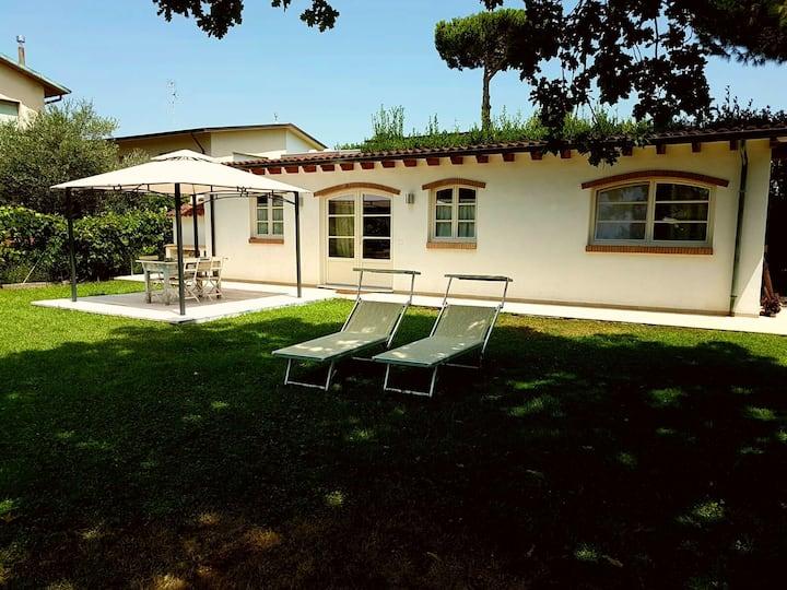 Villa with garden in Viareggio