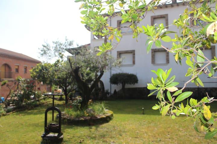 CASA + JARDÍN - Jarandilla de la Vera - House