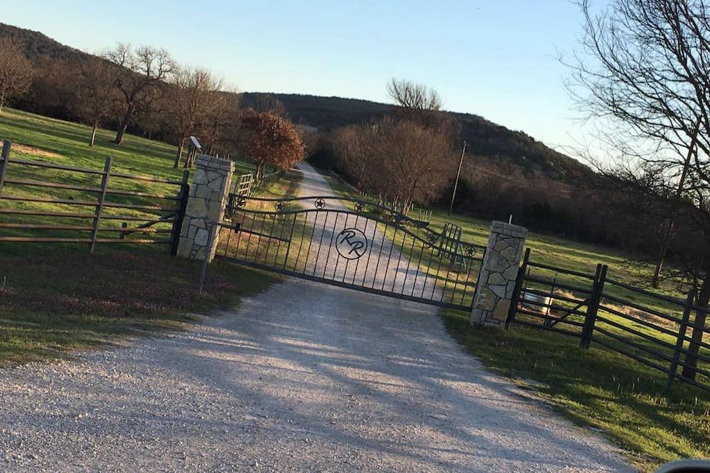 Private Entry to 120 acres.