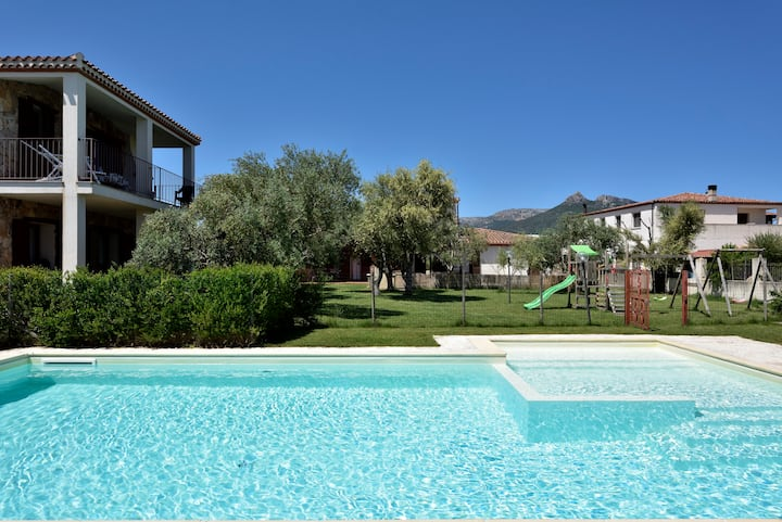 OLEANDRO Apartment in Villa with Pool