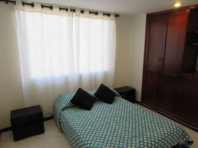 Habitación confortable con baño privado y Aire A.