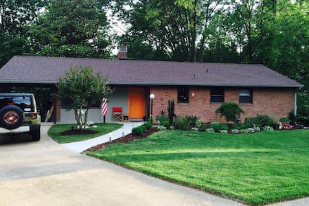 Casa Springfield - West Springfield