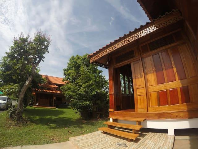 Ruen Ailada-Guesthouse เรือนไอลดา - Mueng - บ้าน