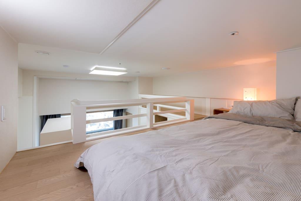 2层双人床
