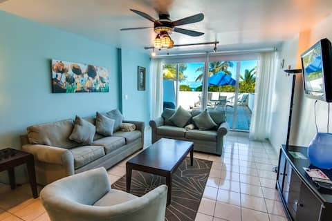 Townhouse with direct beach access