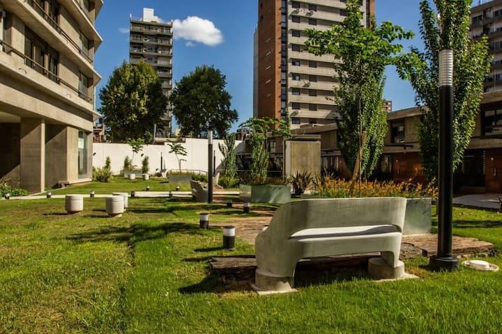 Nuevo! Con Jardín y Cochera