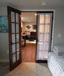 Newly Renovated Apartment near Old Town Arvada - Arvada - Apartemen