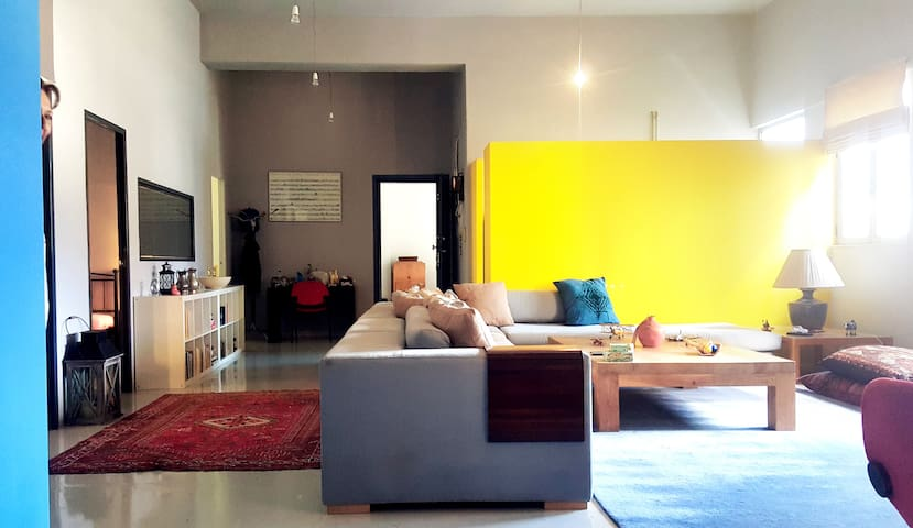 Spacious loft in Piraeus port, closed to boats!