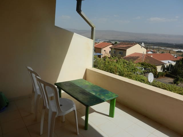 invite here! space &  amazing view - Qiryat Shemona - Huoneisto