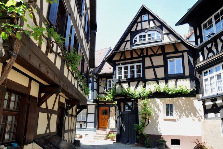 Ferienwohnung Sester 2, (Gengenbach), Ferienwohnung Engelgasse, 22qm, 1 Wohn-/Schlafzimmer, max. 2 Personen