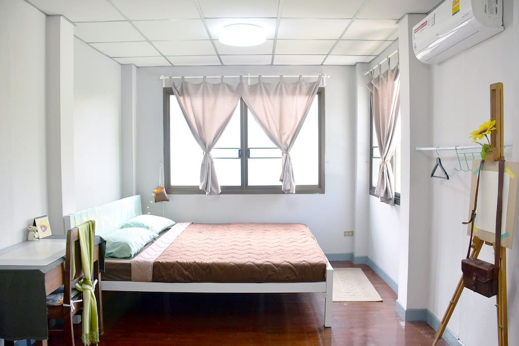 Cozy room for 1-4 person  with 1 king size bed and 2 mattress