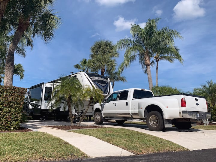 Luxury Camping in West Palm Beach near water park