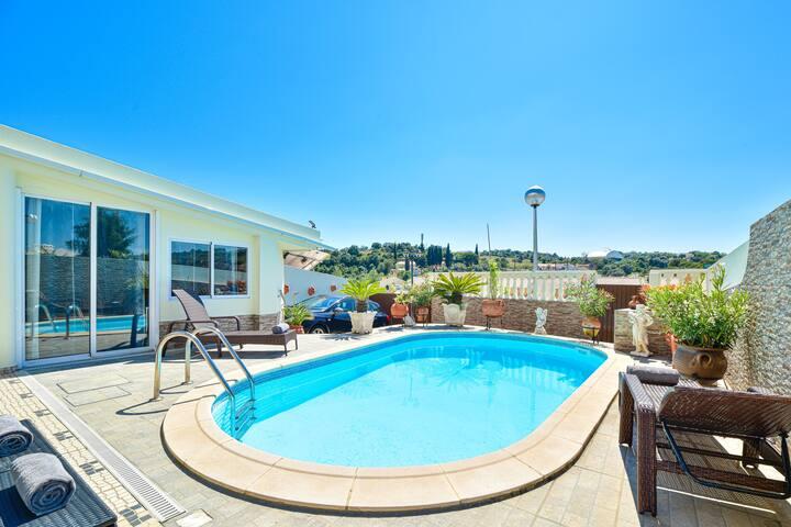 Moradia Hibiscus com piscina